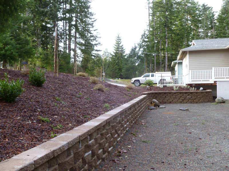 retaining wall, straight with a curve